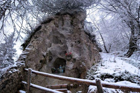 5 Immagine sacra sulla roccia